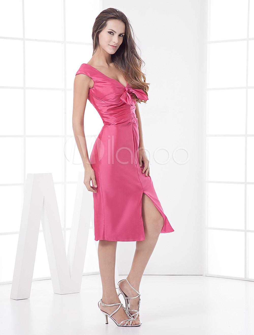 Vestido de cóctel de color fucsia de tafetán con escote en V ...